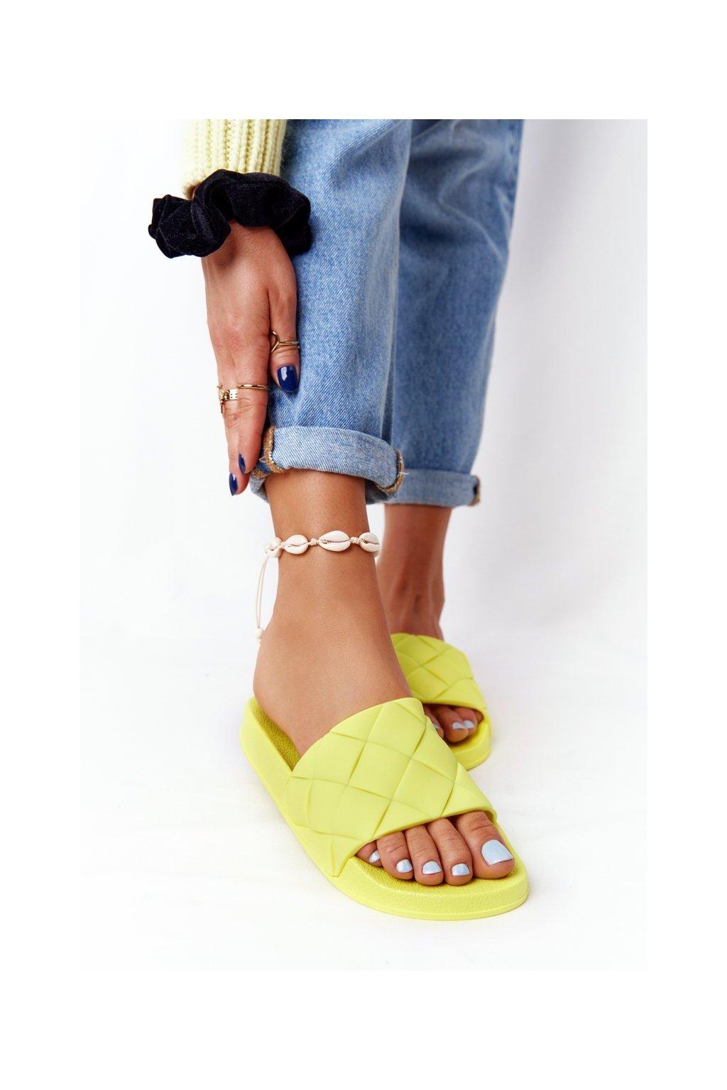 Dámske šľapky farba žltá kód obuvi CK175P YELLOW