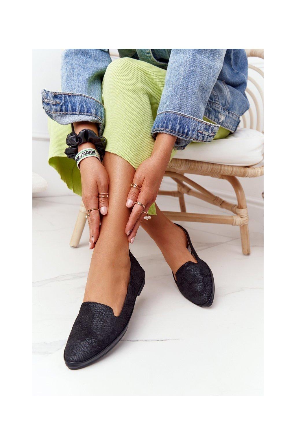 Dámske mokasíny farba čierna kód obuvi MK700 BLK