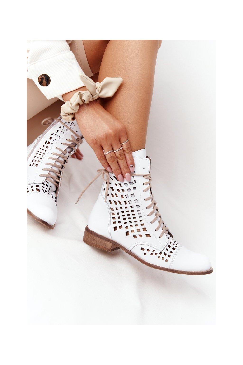 Členkové topánky na podpätku farba biela kód obuvi 2627/003 WHITE