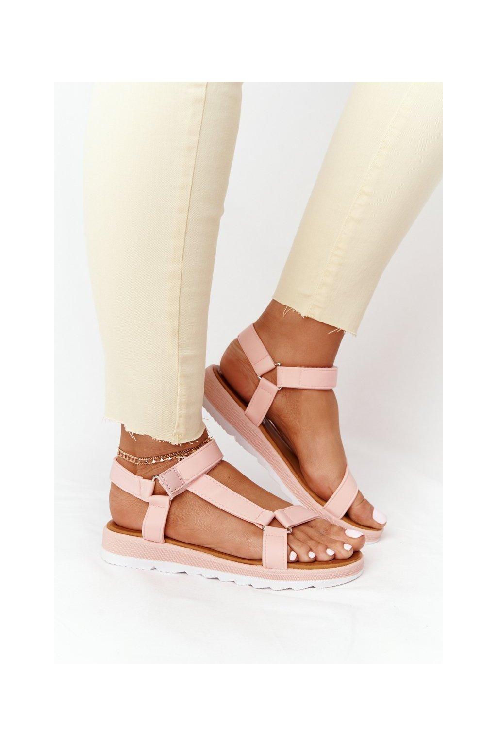 Dámske sandále s plochou podrážkou na platforme farba ružová kód obuvi WS9027-11 PINK