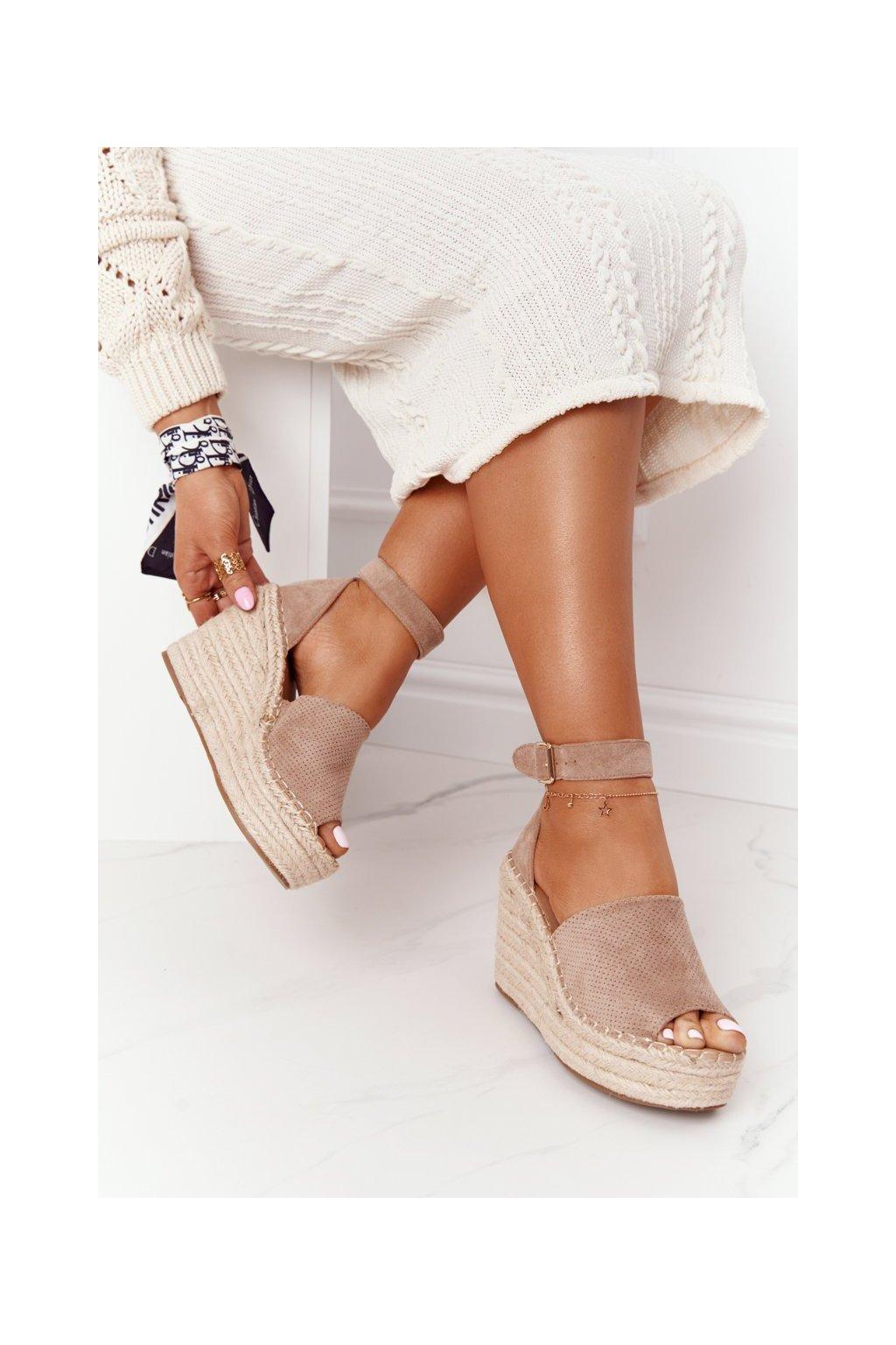 Dámske sandále na platforme farba hnedá kód obuvi BL1920-63 KHAKI