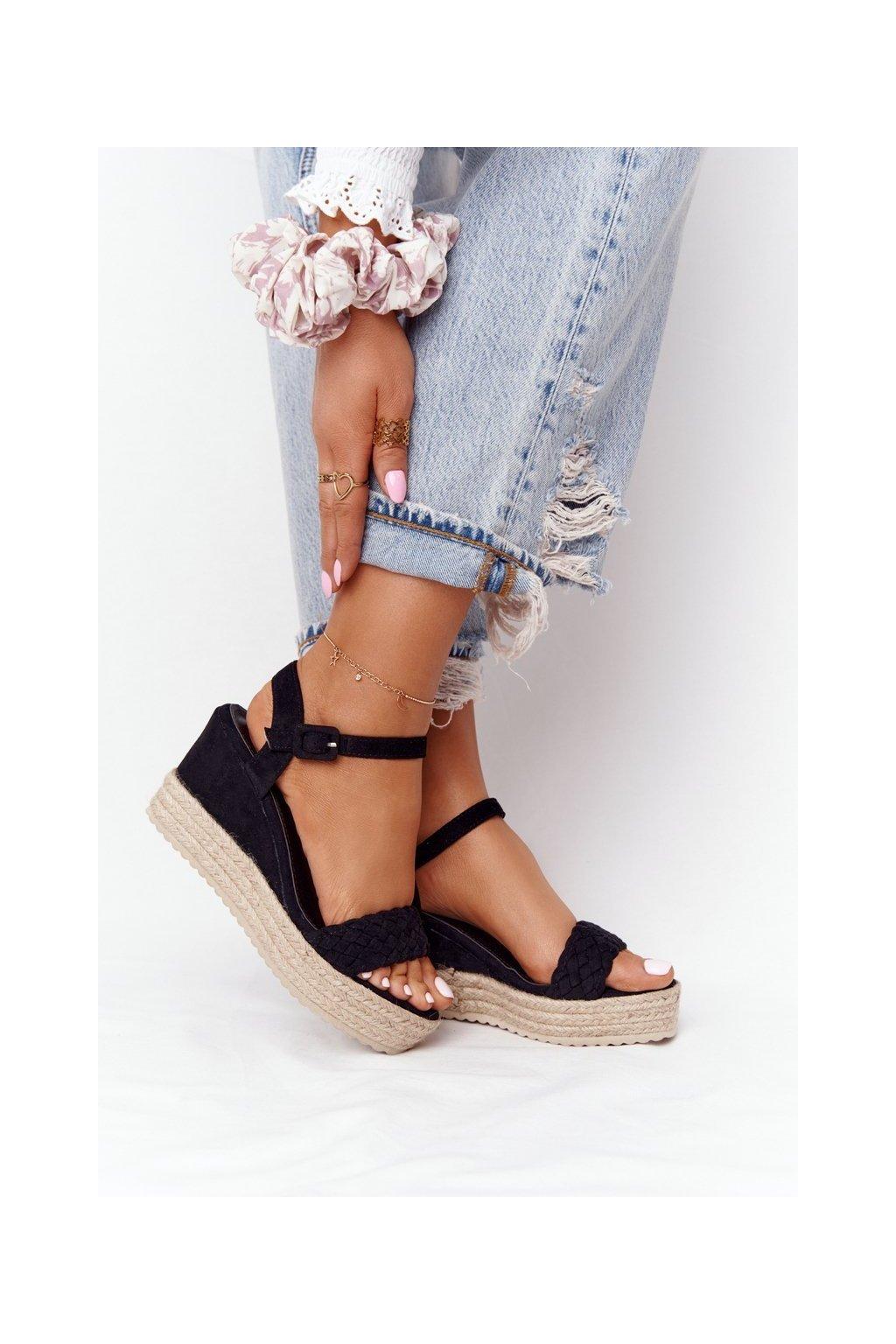 Dámske sandále na platforme farba čierna kód obuvi XY12 BLACK