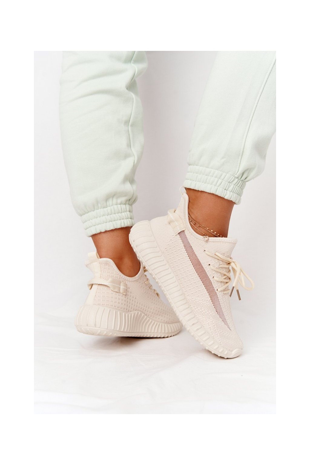 Dámske tenisky farba hnedá kód obuvi PC02 LT.BEIGE