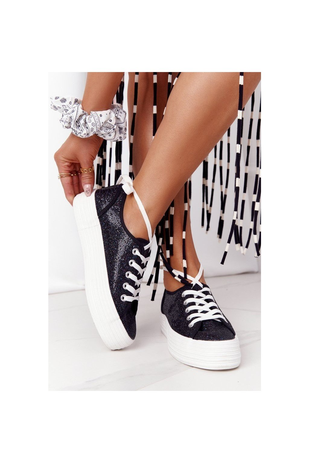 Dámske tenisky farba čierna kód obuvi L09613 BLK