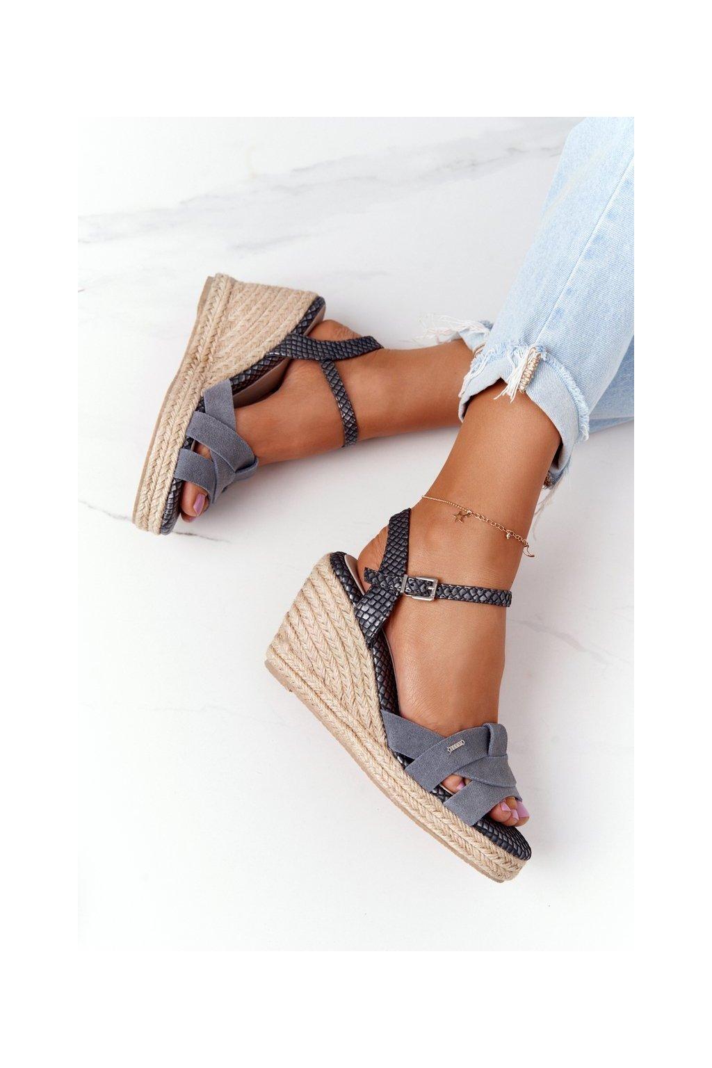 Dámske sandále farba hnedá kód obuvi HH274378 SILVER