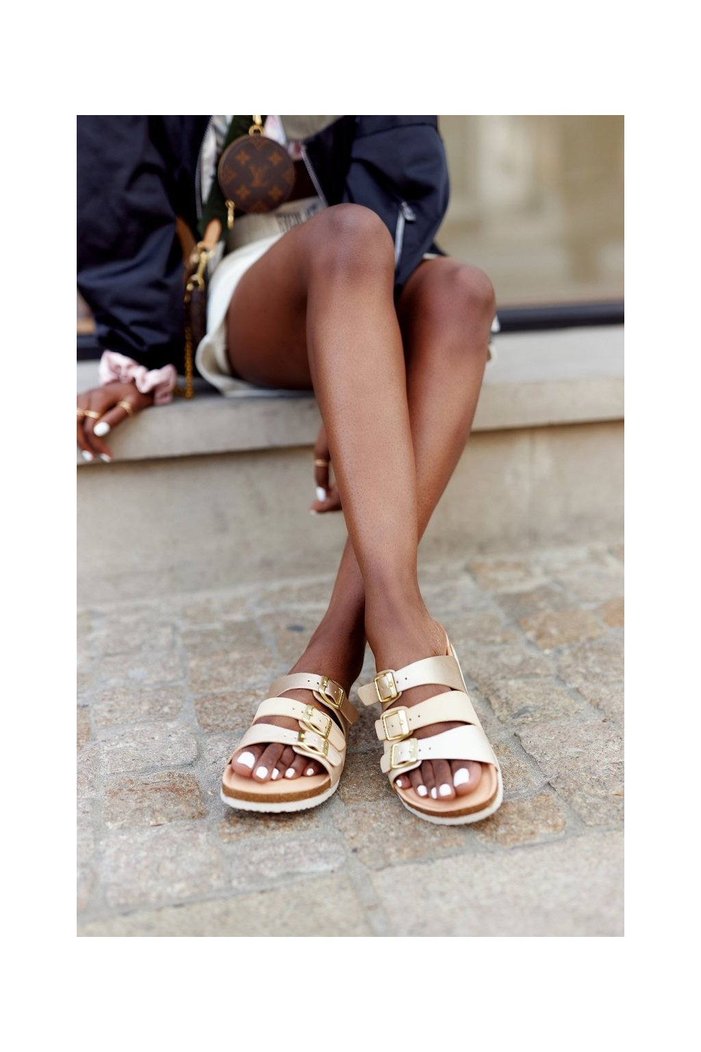 Dámske šľapky farba hnedá kód obuvi HH274585 BEIGE/GOLD