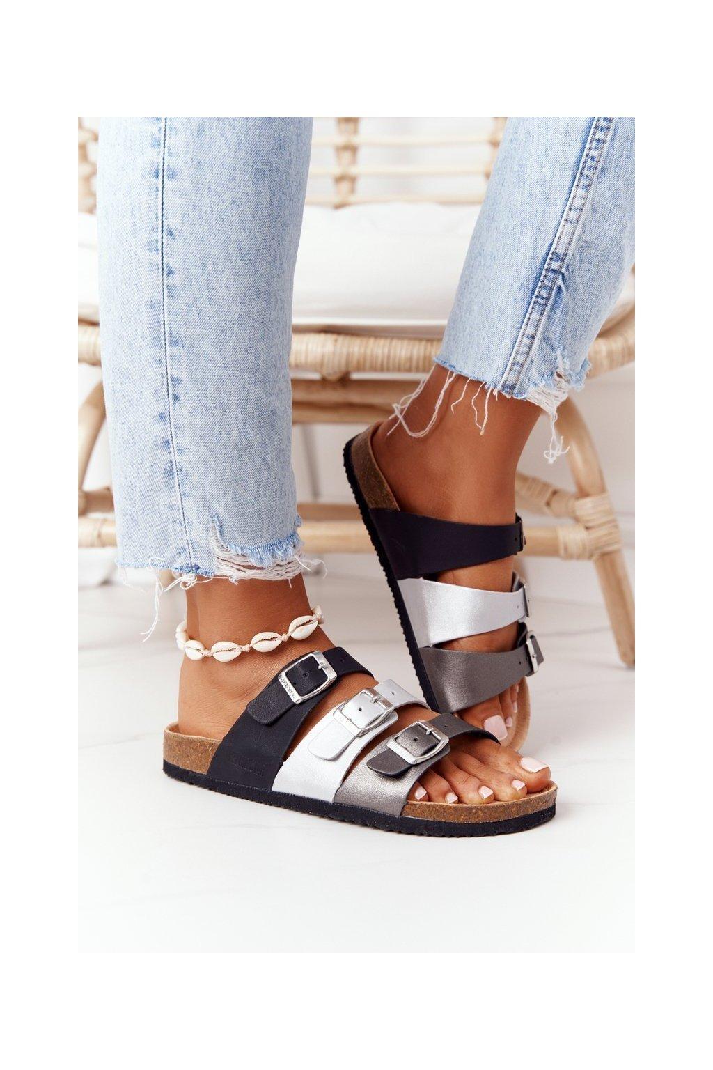 Dámske šľapky farba čierna kód obuvi HH274588 BLK/SILVER/GRAPHITE