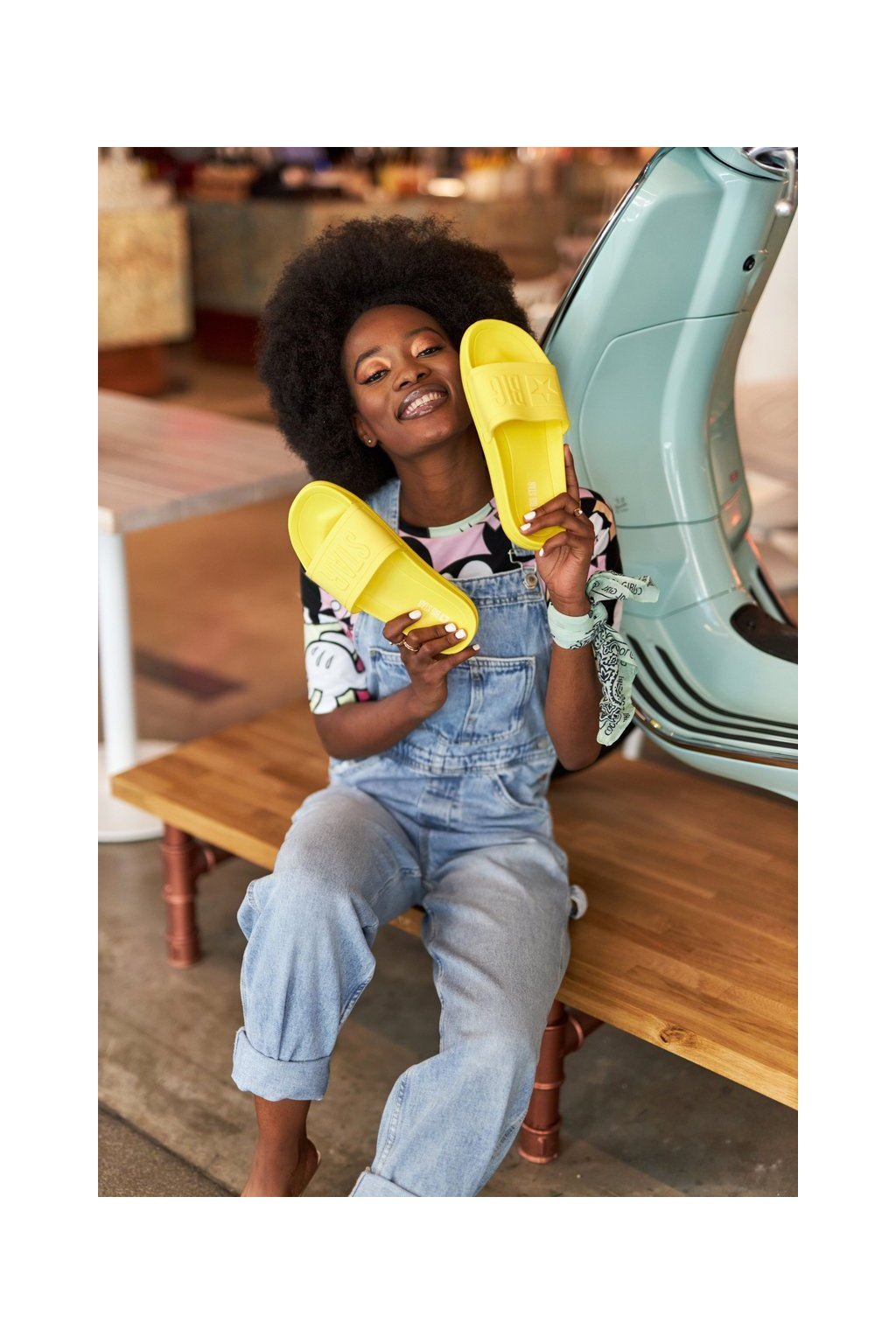 Dámske šľapky farba žltá kód obuvi HH274A040 YELLOW