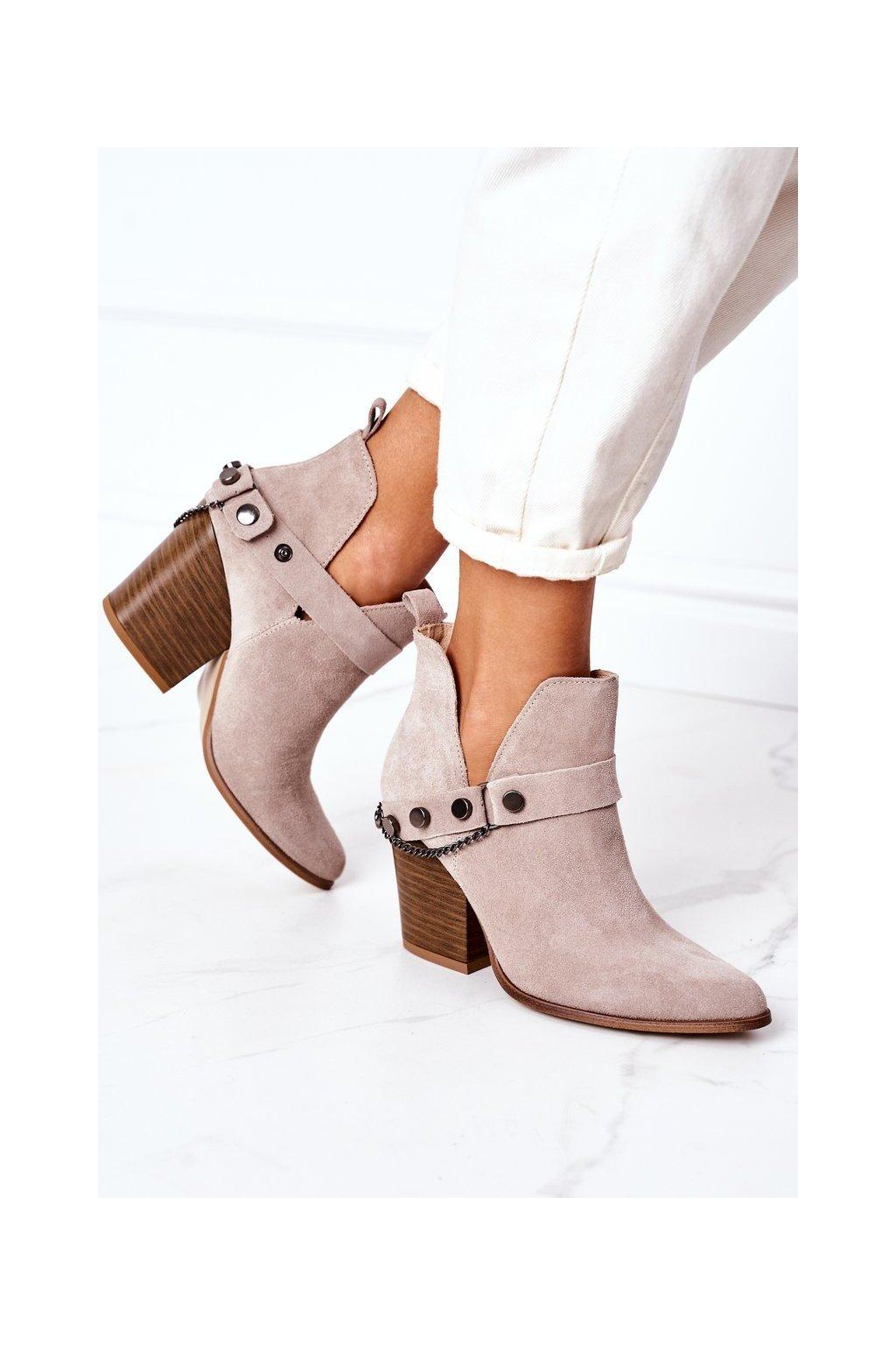 Členkové topánky na podpätku farba hnedá kód obuvi 2880 CAPPUCCINO ZAMSZ