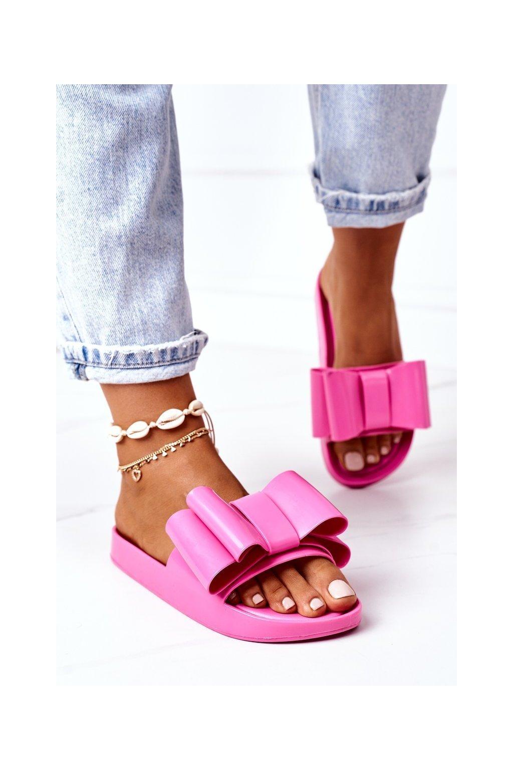 Dámske šľapky farba ružová kód obuvi CK82 FUCHSIA