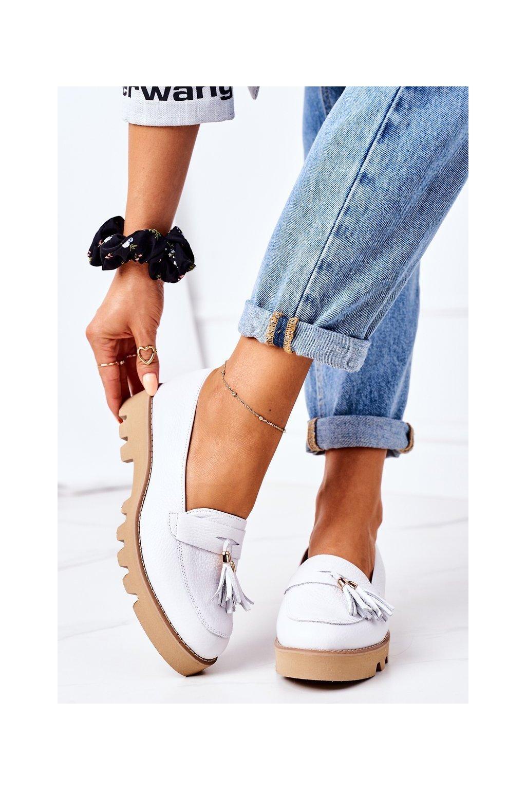 Dámske mokasíny farba biela kód obuvi 3053 BIAŁY GROCH