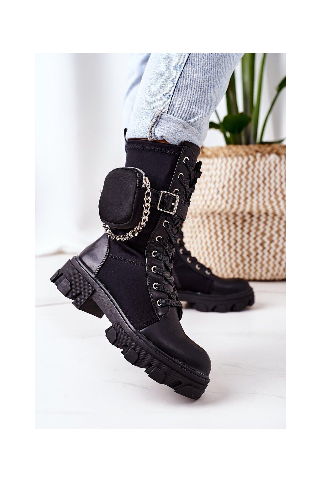 Členkové topánky na podpätku farba čierna kód obuvi QT30 BLACK