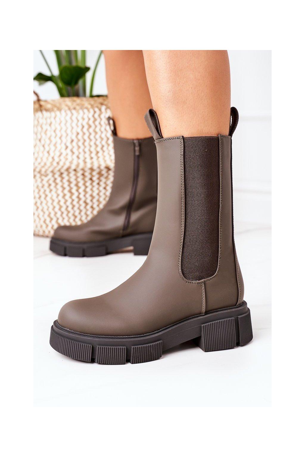 Členkové topánky na podpätku farba zelená kód obuvi QT16 ARMY GREEN