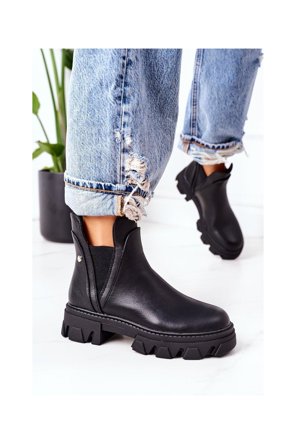 Členkové topánky na podpätku farba čierna kód obuvi NC1202 BLACK