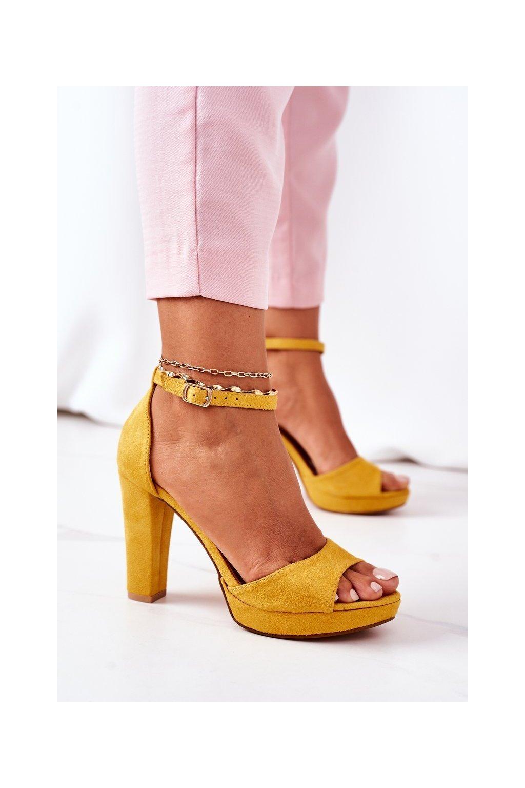 Dámske sandále farba žltá kód obuvi S-850 YELLOW