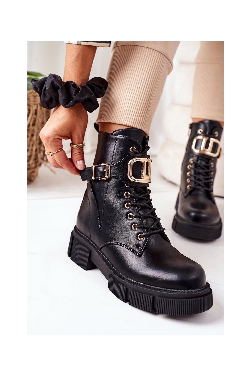Členkové topánky na podpätku farba čierna kód obuvi QT25 BLK