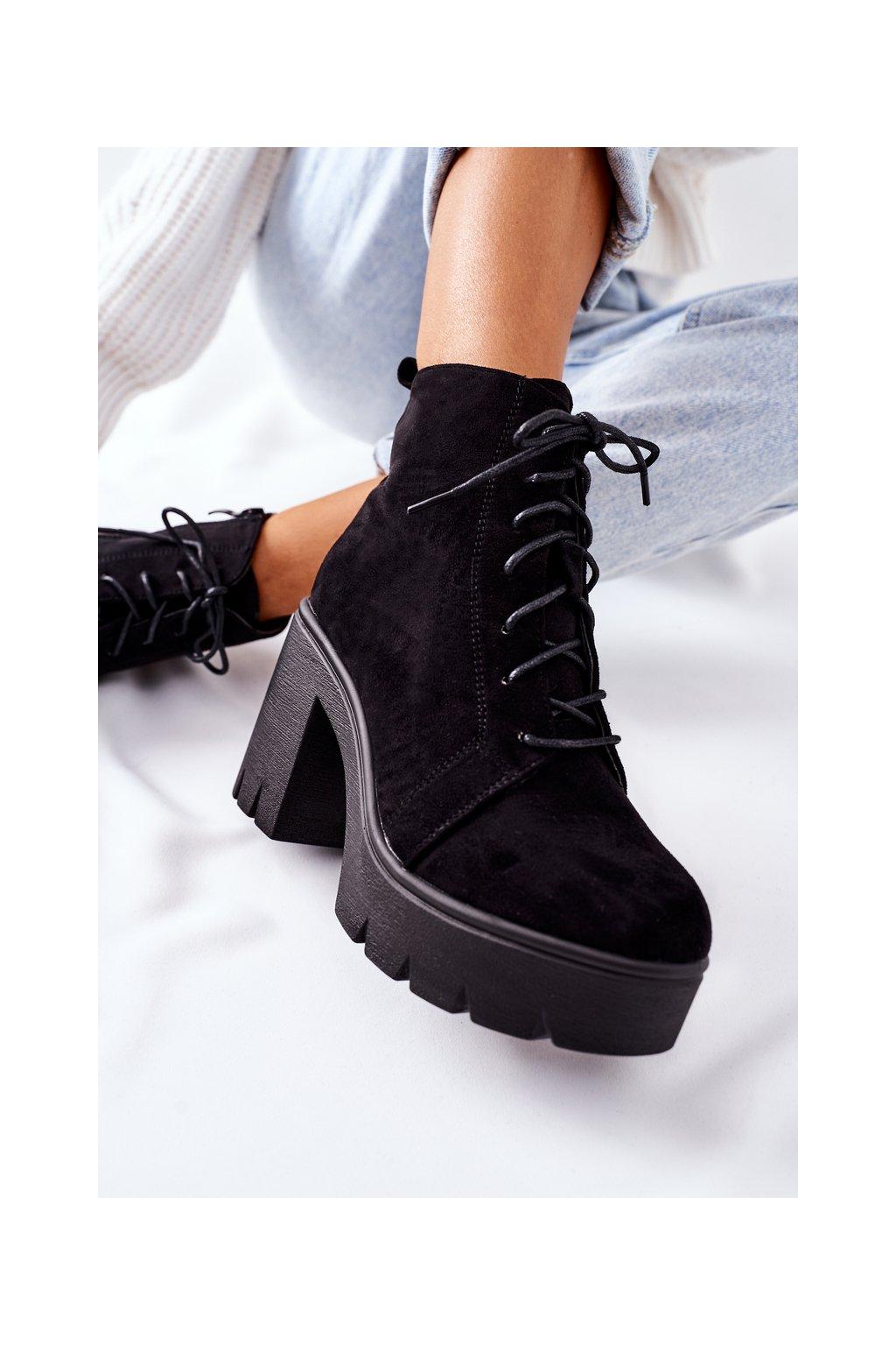 Členkové topánky na podpätku farba čierna kód obuvi OL-9 BLACK