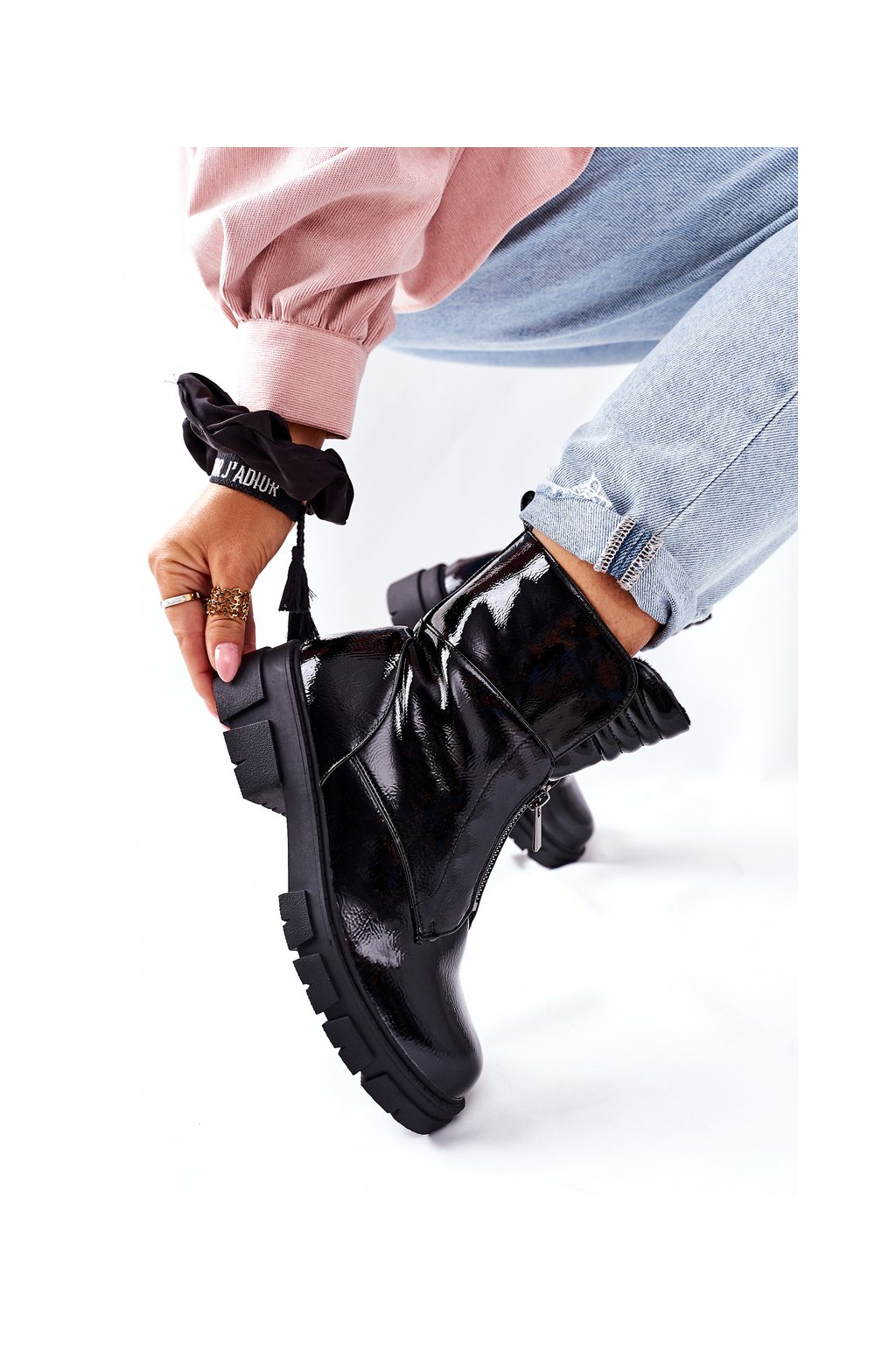 Členkové topánky na podpätku farba čierna kód obuvi 223-88 BLK