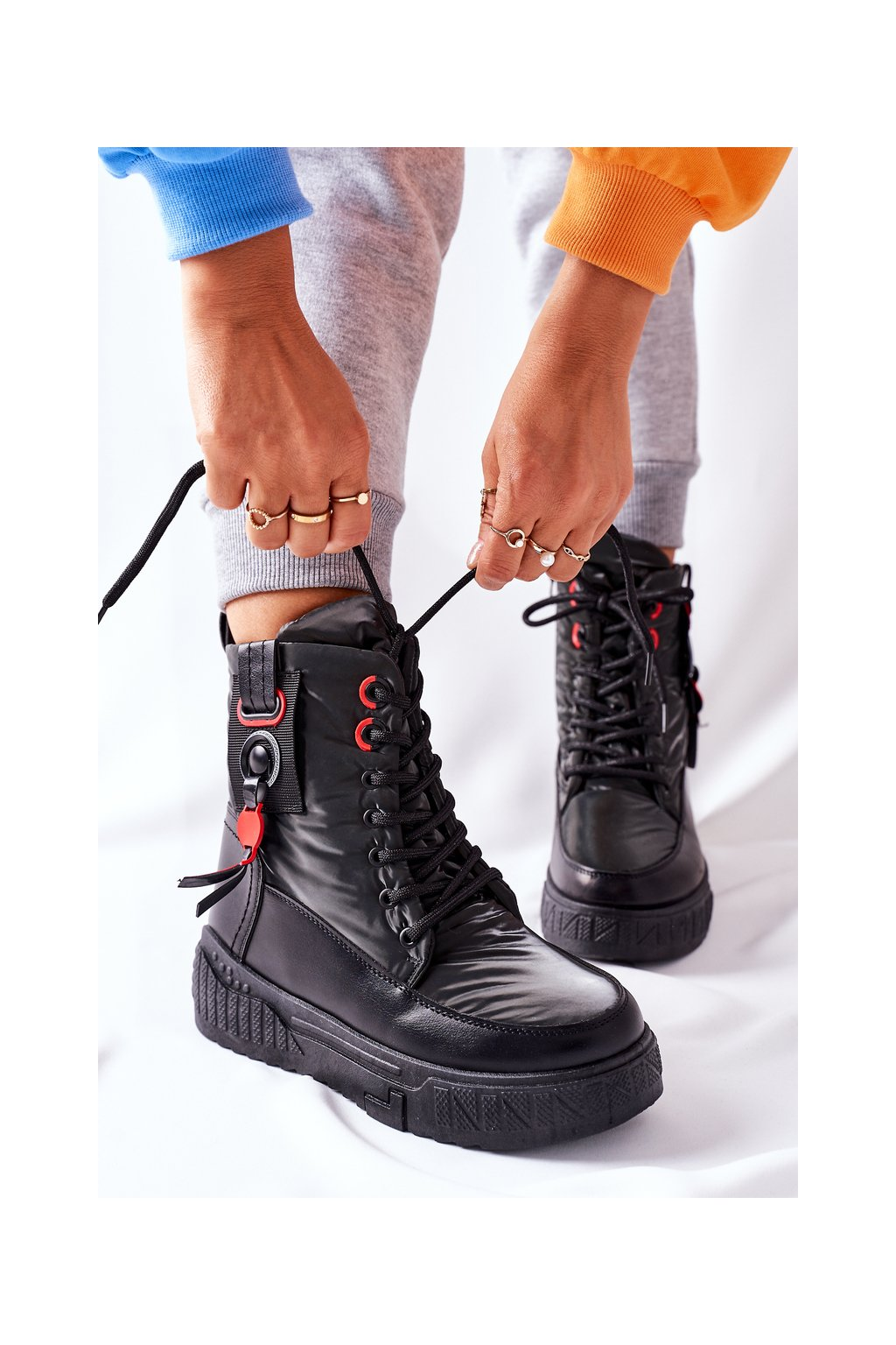 Členkové topánky na podpätku farba čierna kód obuvi NB509 BLK
