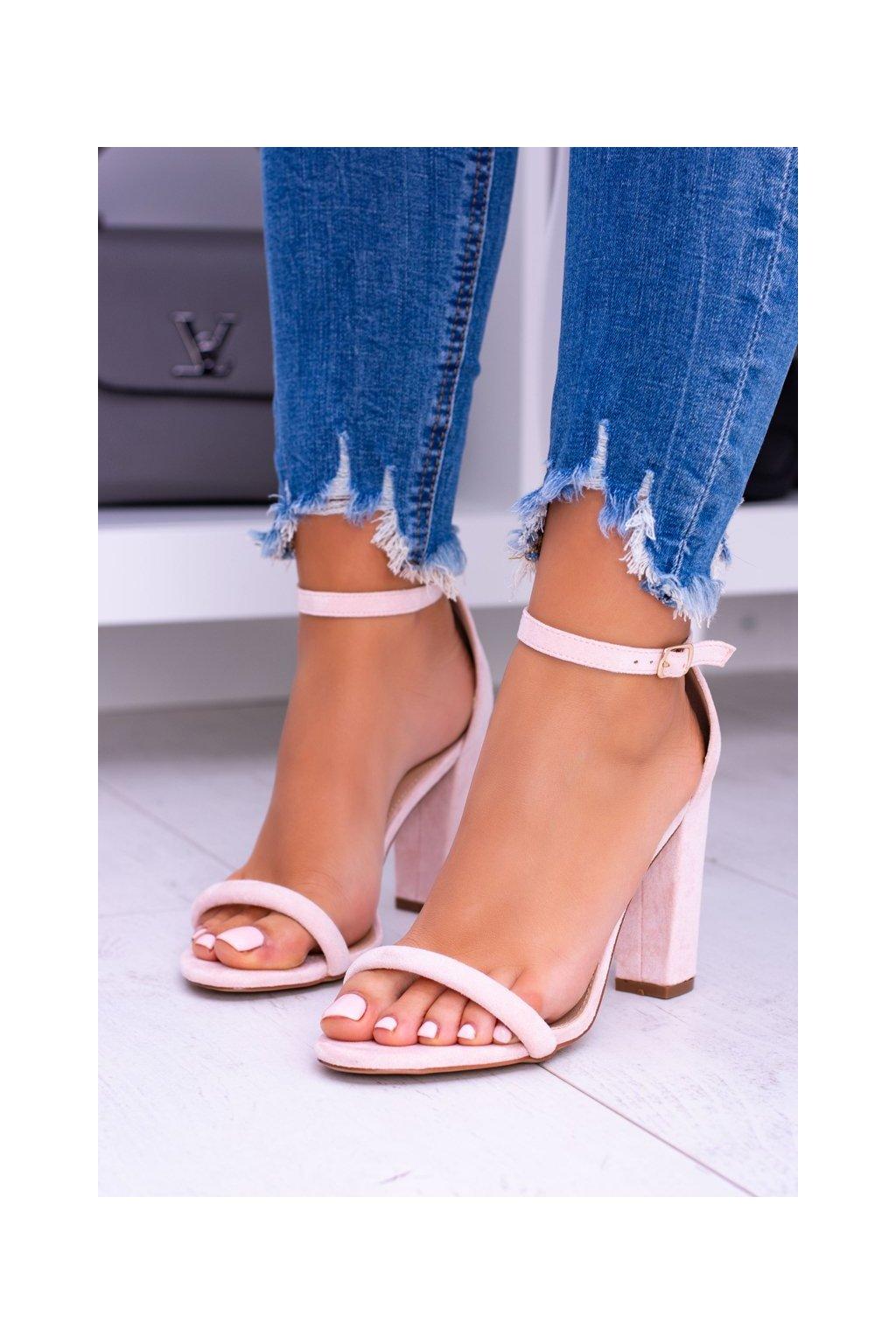 Dámske sandále na podpätku farba ružová kód obuvi LB-04 PINK