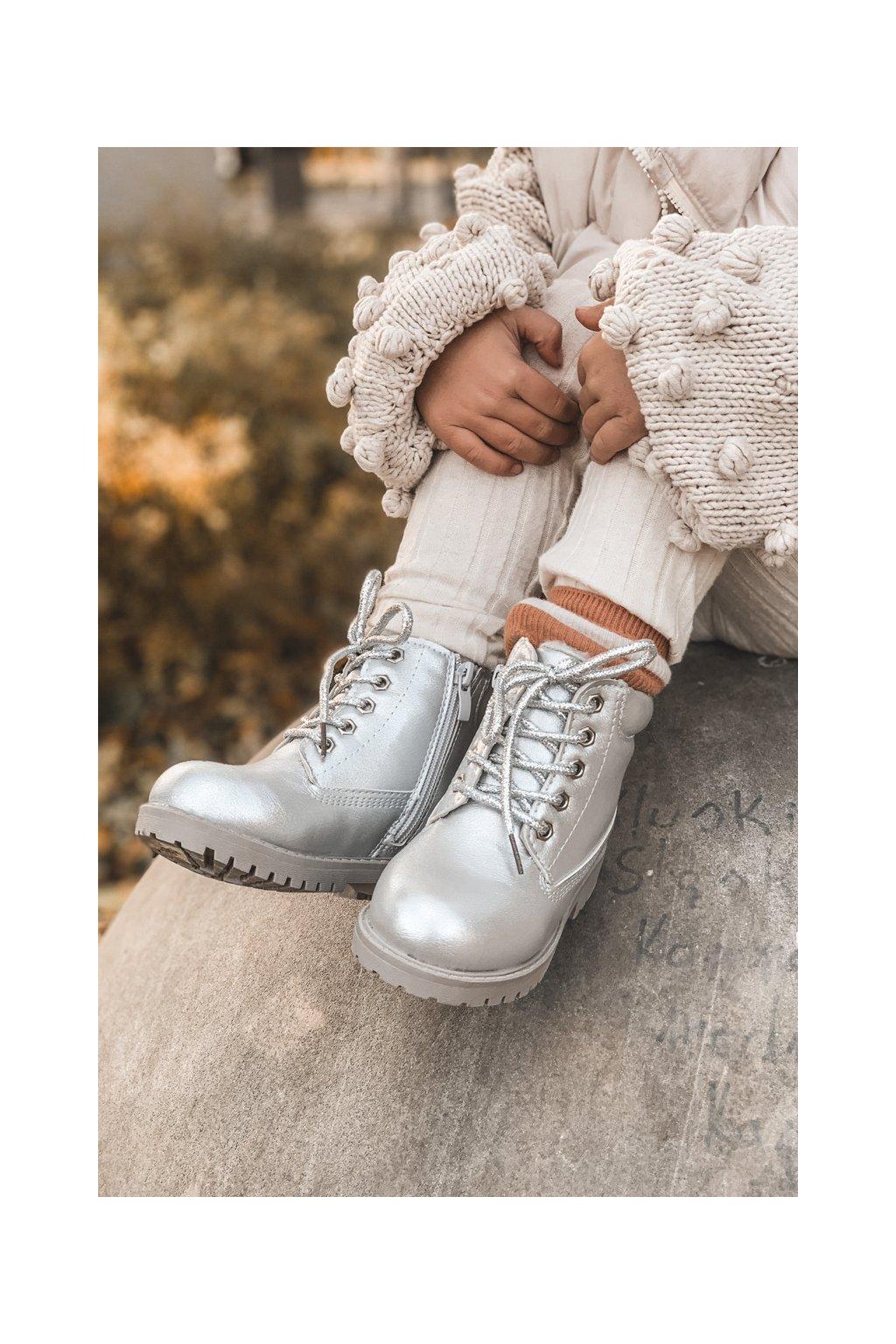 Detské členkové topánky farba sivá kód obuvi 20306-1G/2G/3G SILVER