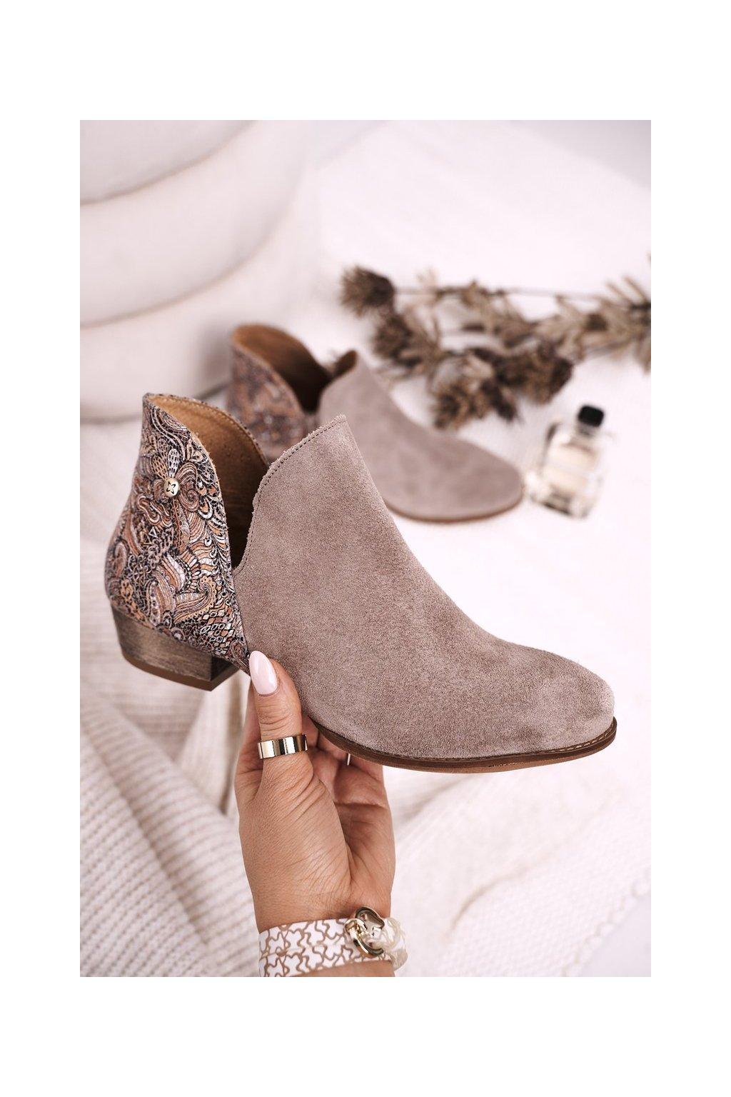 Členkové topánky na podpätku farba hnedá kód obuvi 04091-04 BEIGE