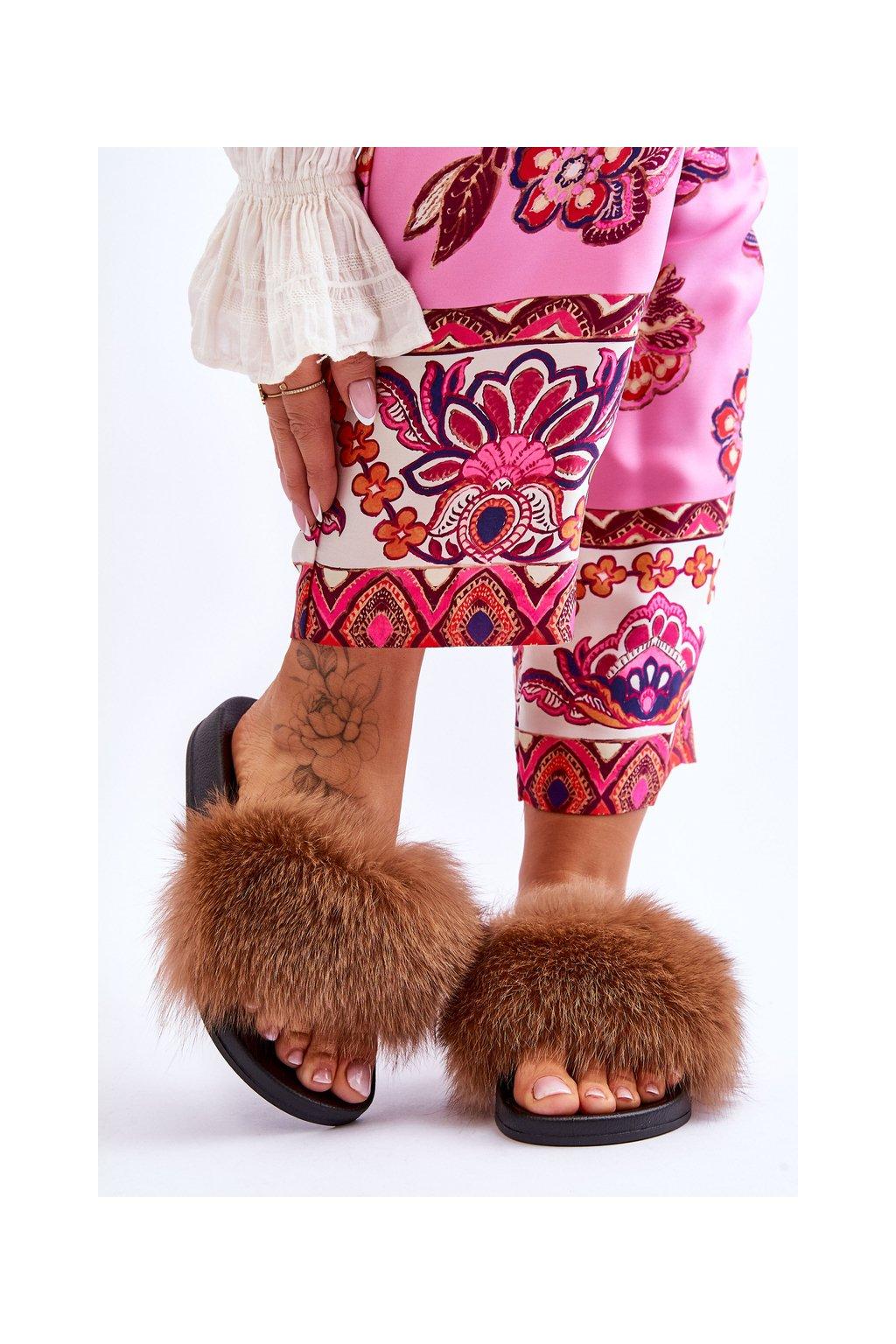 Dámske šľapky farba hnedá kód obuvi 8080 BROWN