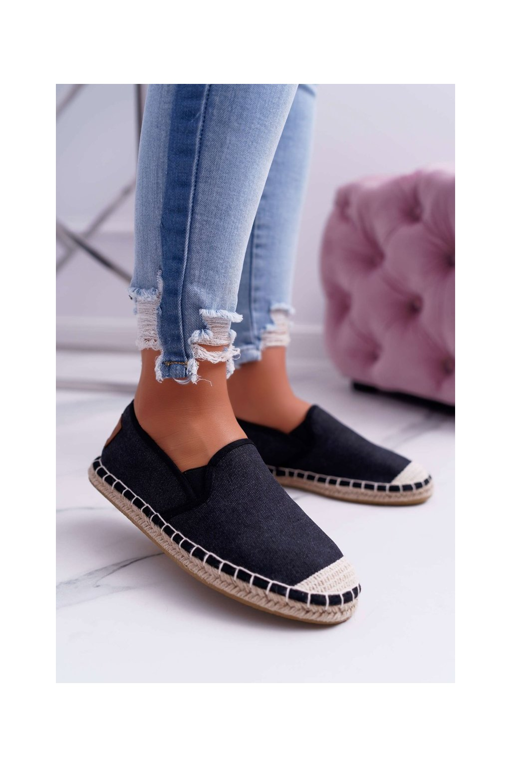 Dámske tenisky farba čierna kód obuvi DD2R4106 BLK