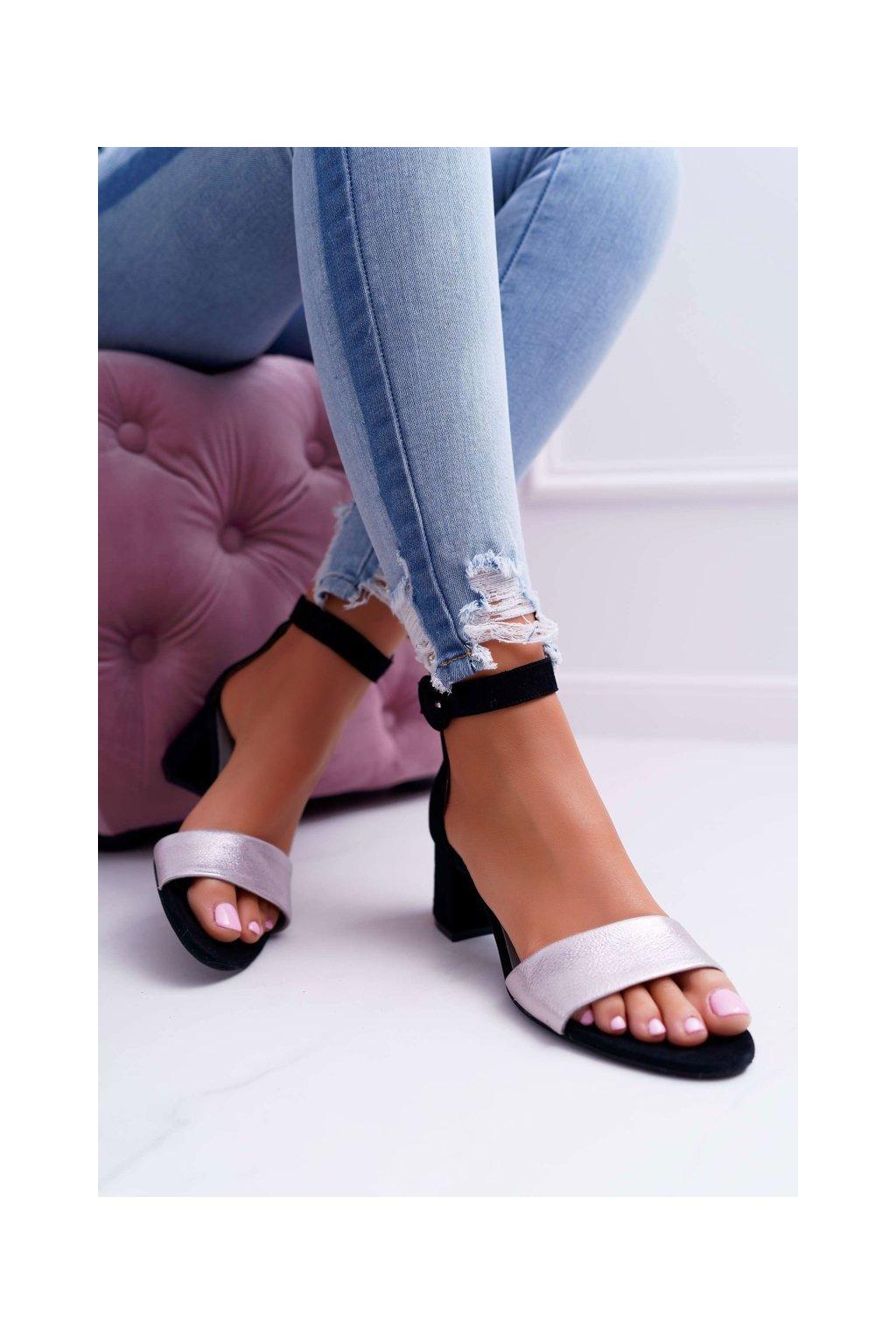 Dámske sandále na podpätku farba čierna kód obuvi 04141-01/00-5 CZARNY