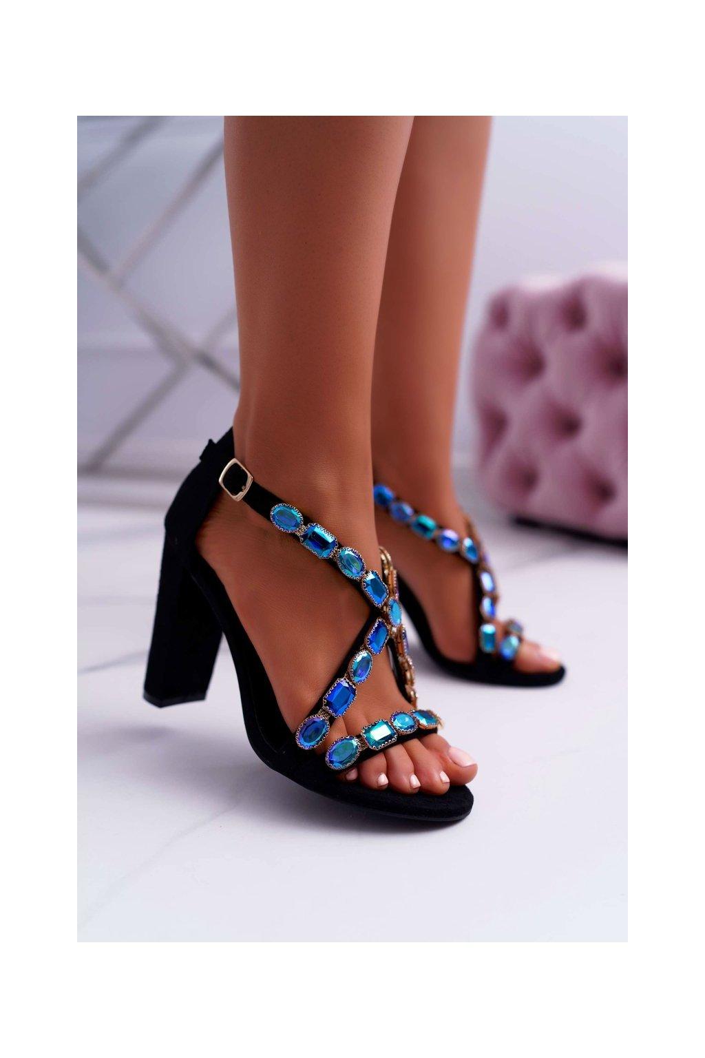Dámske sandále na podpätku farba čierna kód obuvi 8258-1 BLK SUEDE