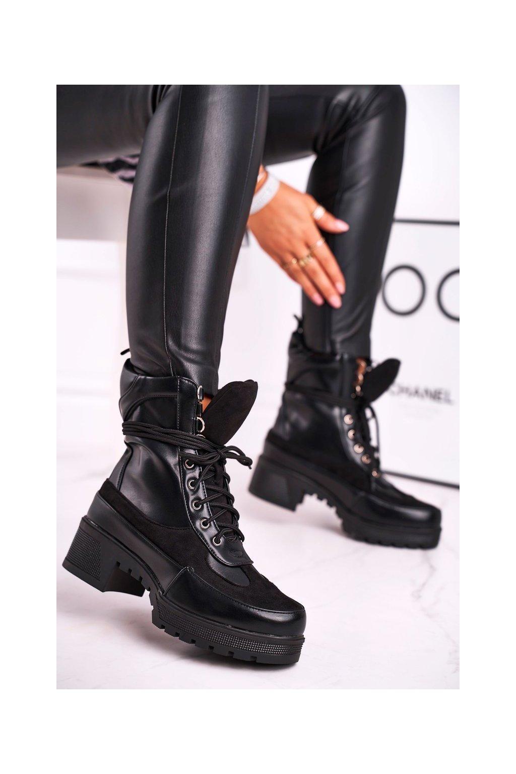 Členkové topánky na podpätku farba čierna kód obuvi C-93 BLK