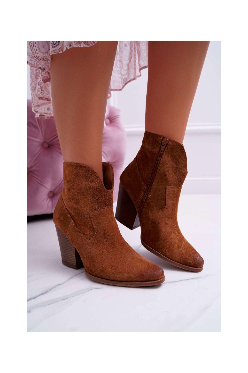 Členkové topánky na podpätku farba hnedá kód obuvi 2433 KONIAK/W