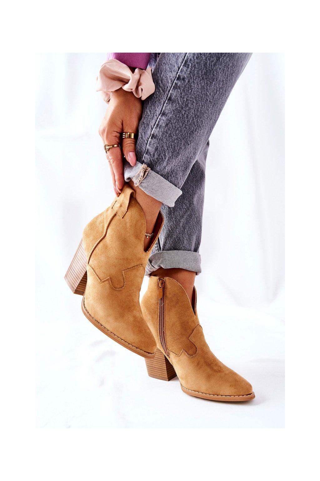 Členkové topánky na podpätku farba hnedá kód obuvi A5607-32 CAMEL