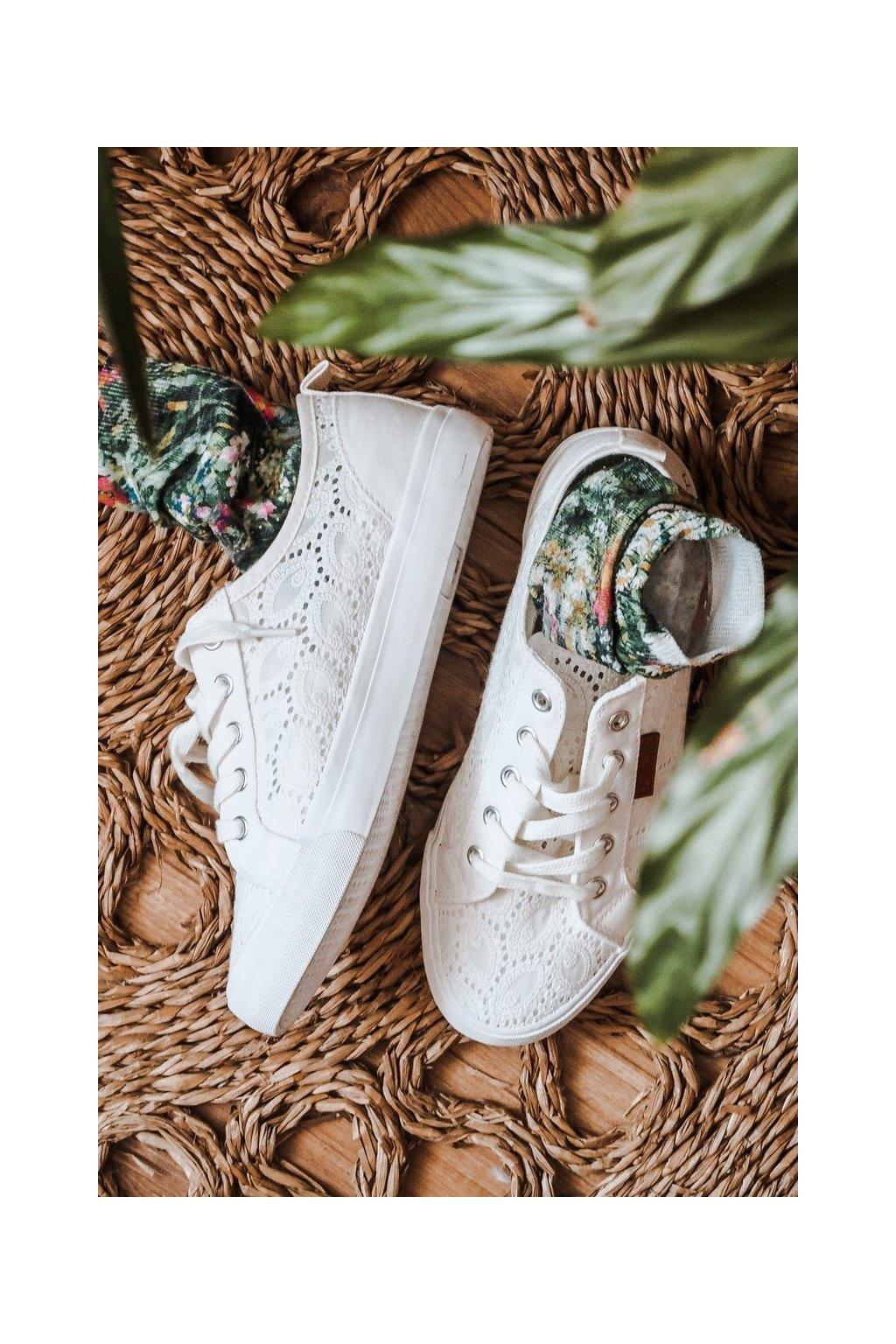 Dámske tenisky farba biela kód obuvi W274925 WHITE