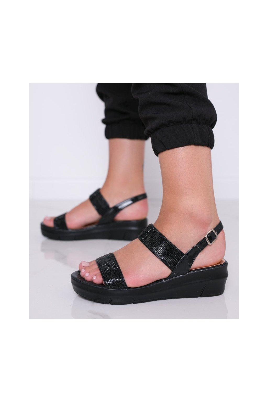 Dámske topánky sandále čierne kód A89912 - GM