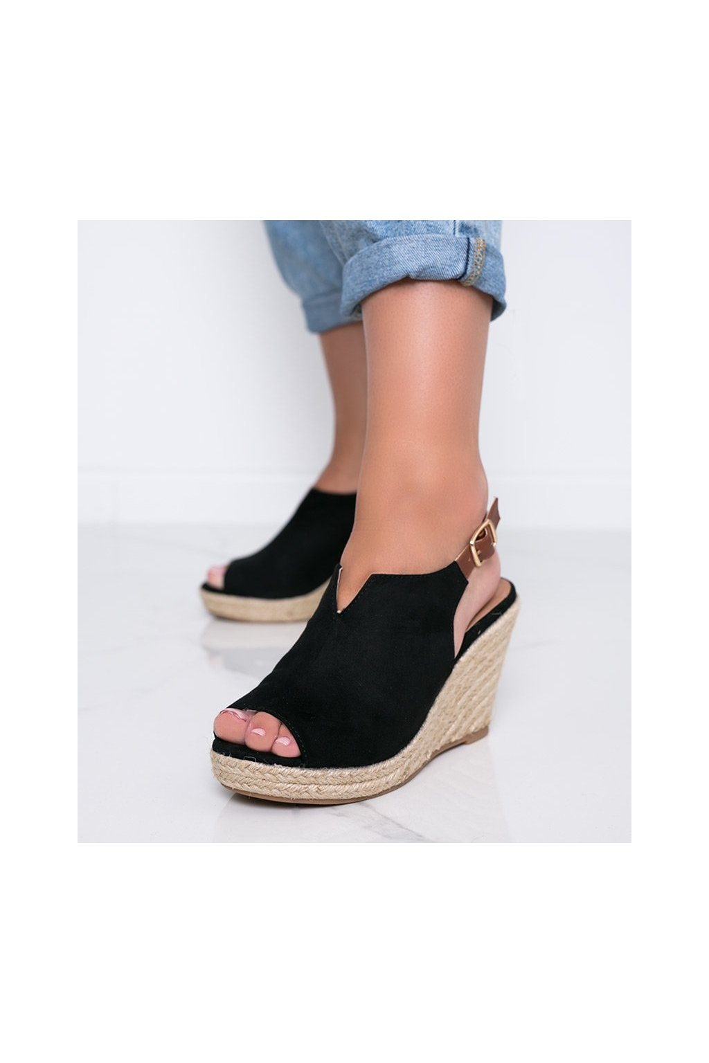 Dámske topánky sandále čierne kód 9R61 - GM