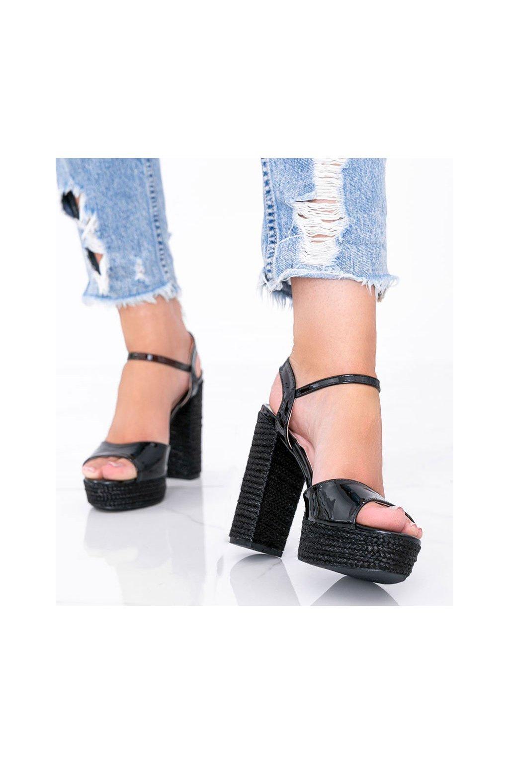 Dámske topánky sandále čierne kód A12-07 - GM