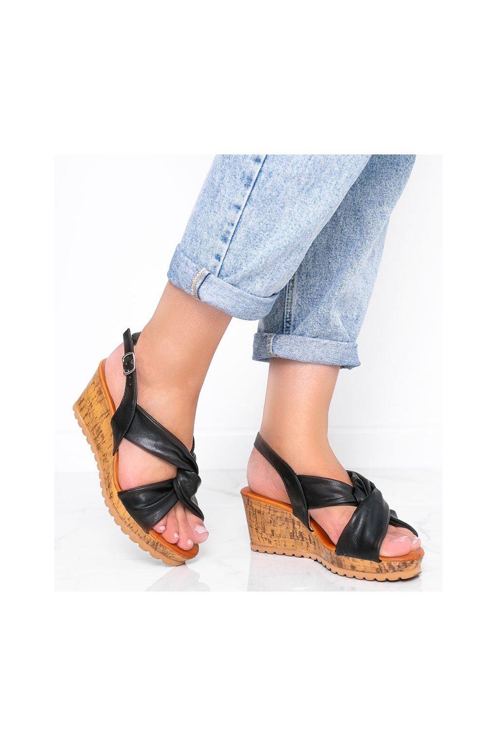 Dámske topánky sandále čierne kód S060100 - GM