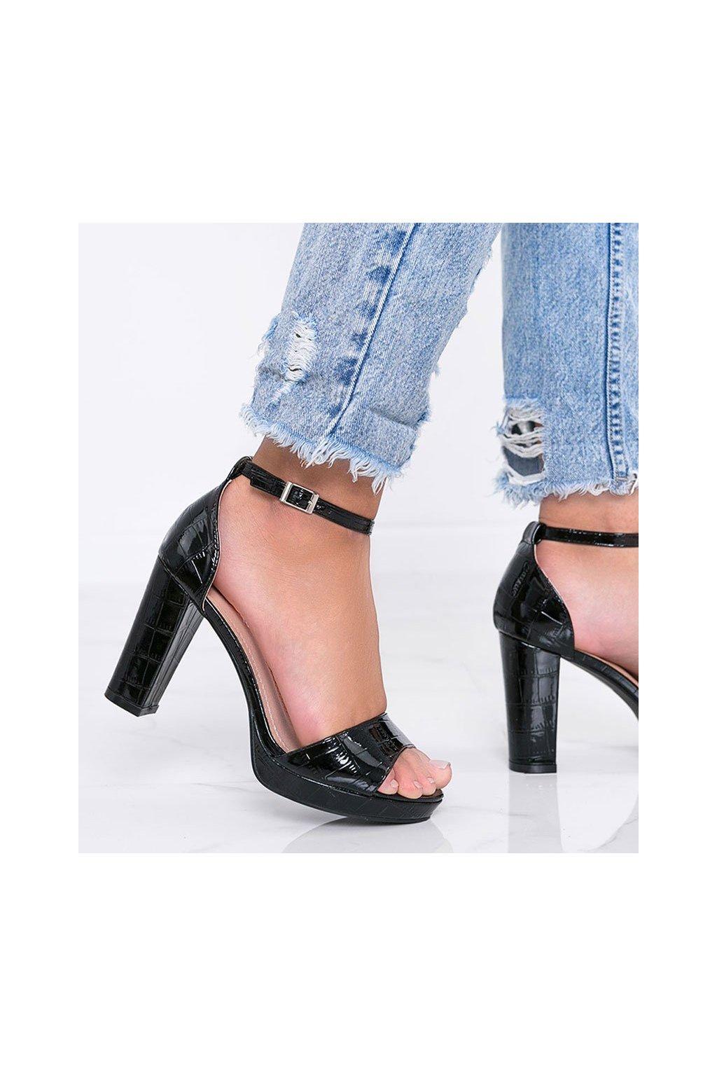 Dámske topánky sandále čierne kód Q763 - GM