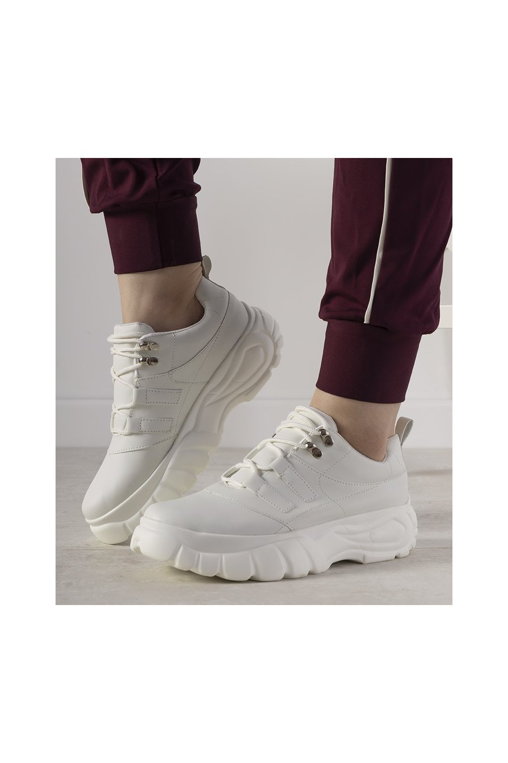 Dámske topánky tenisky biele kód E3143 - GM