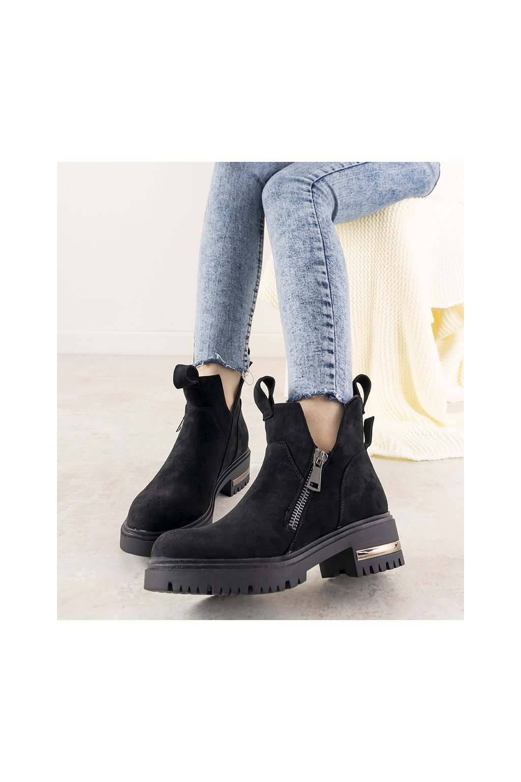 Dámske členkové topánky čierne kód 1704 - GM