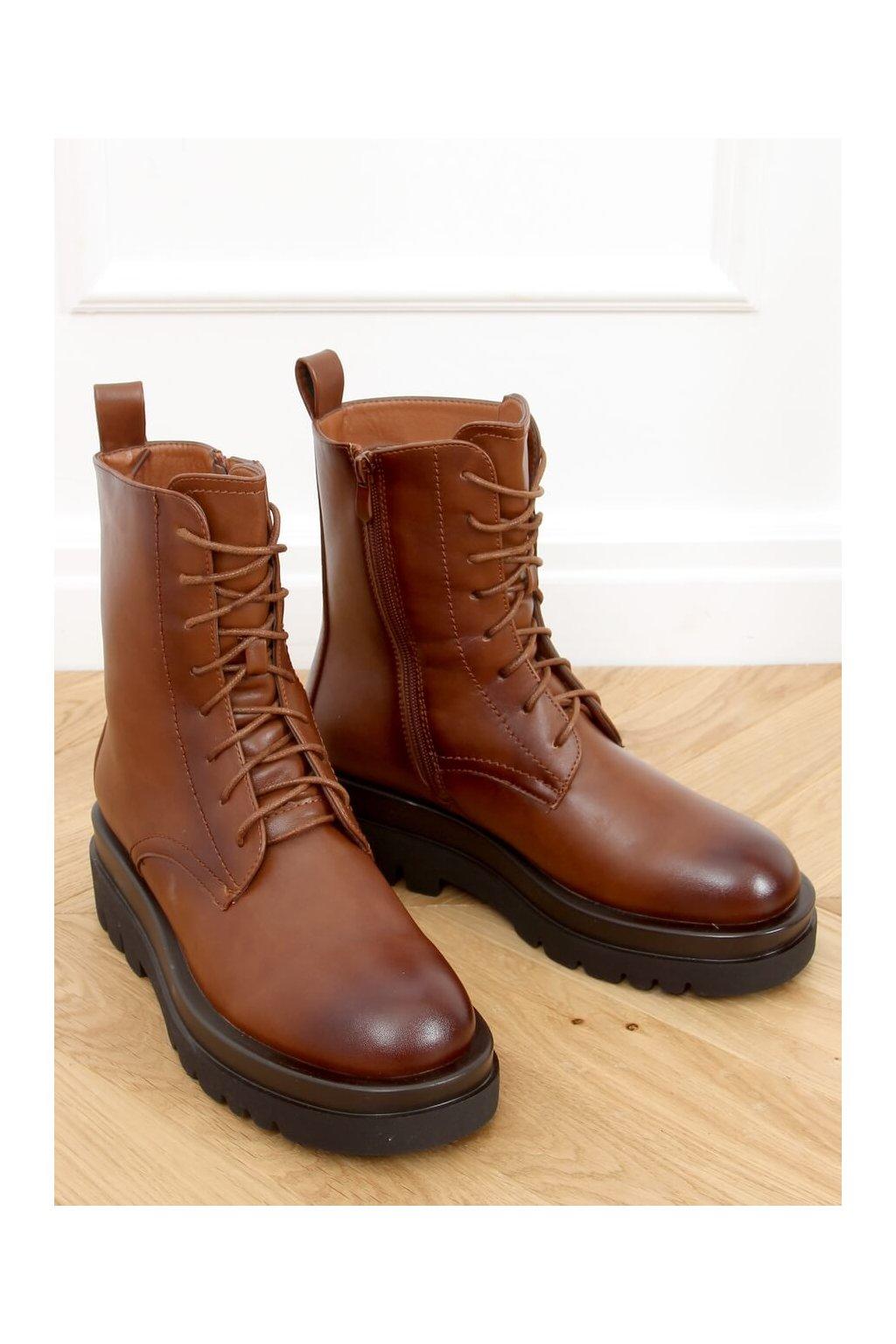 Dámske členkové topánky hnedé na plochom podpätku RB85