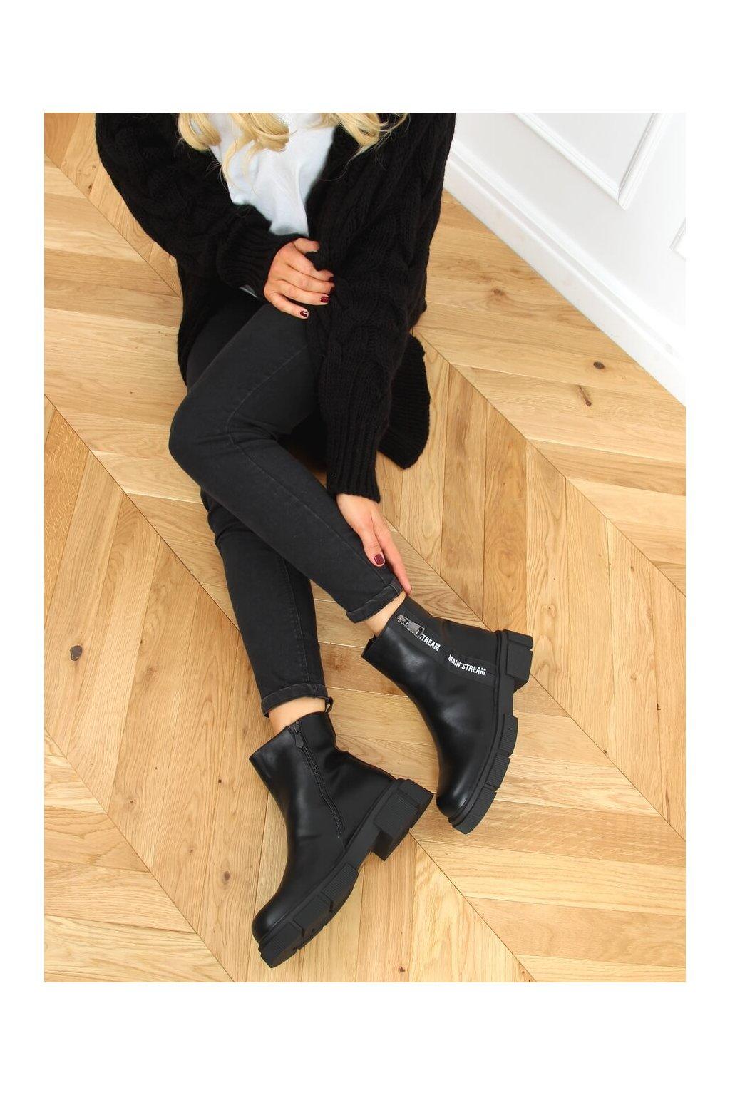 Dámske členkové topánky čierne na plochom podpätku HB-78