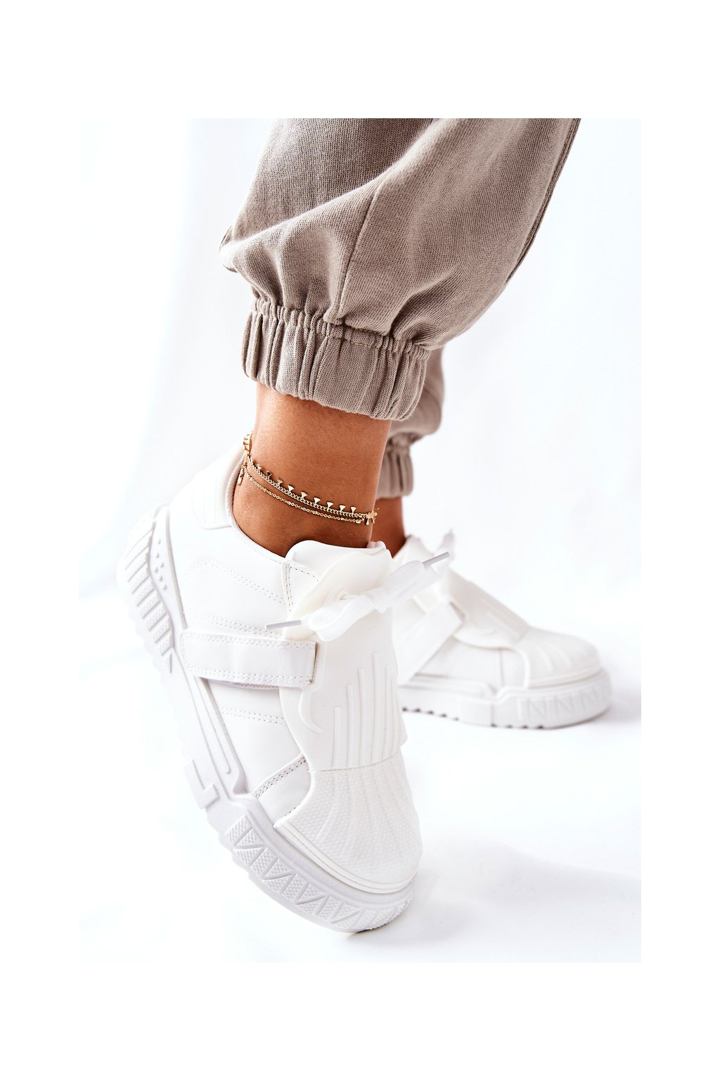 Dámske tenisky farba biela kód obuvi NB513 WHITE