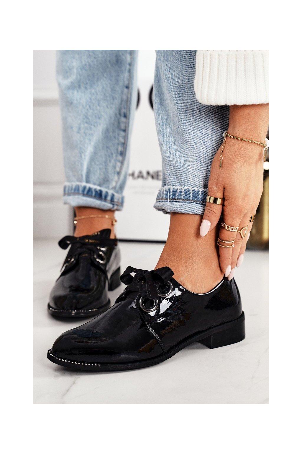 Dámske poltopánky farba čierna kód obuvi 2044 087 BLK