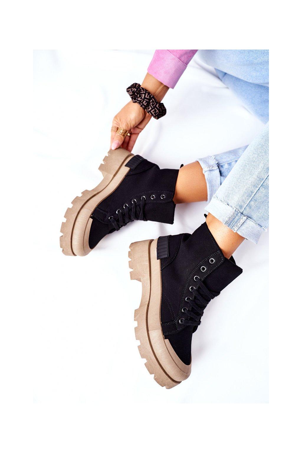 Členkové topánky na podpätku farba čierna kód obuvi BL267P BLK