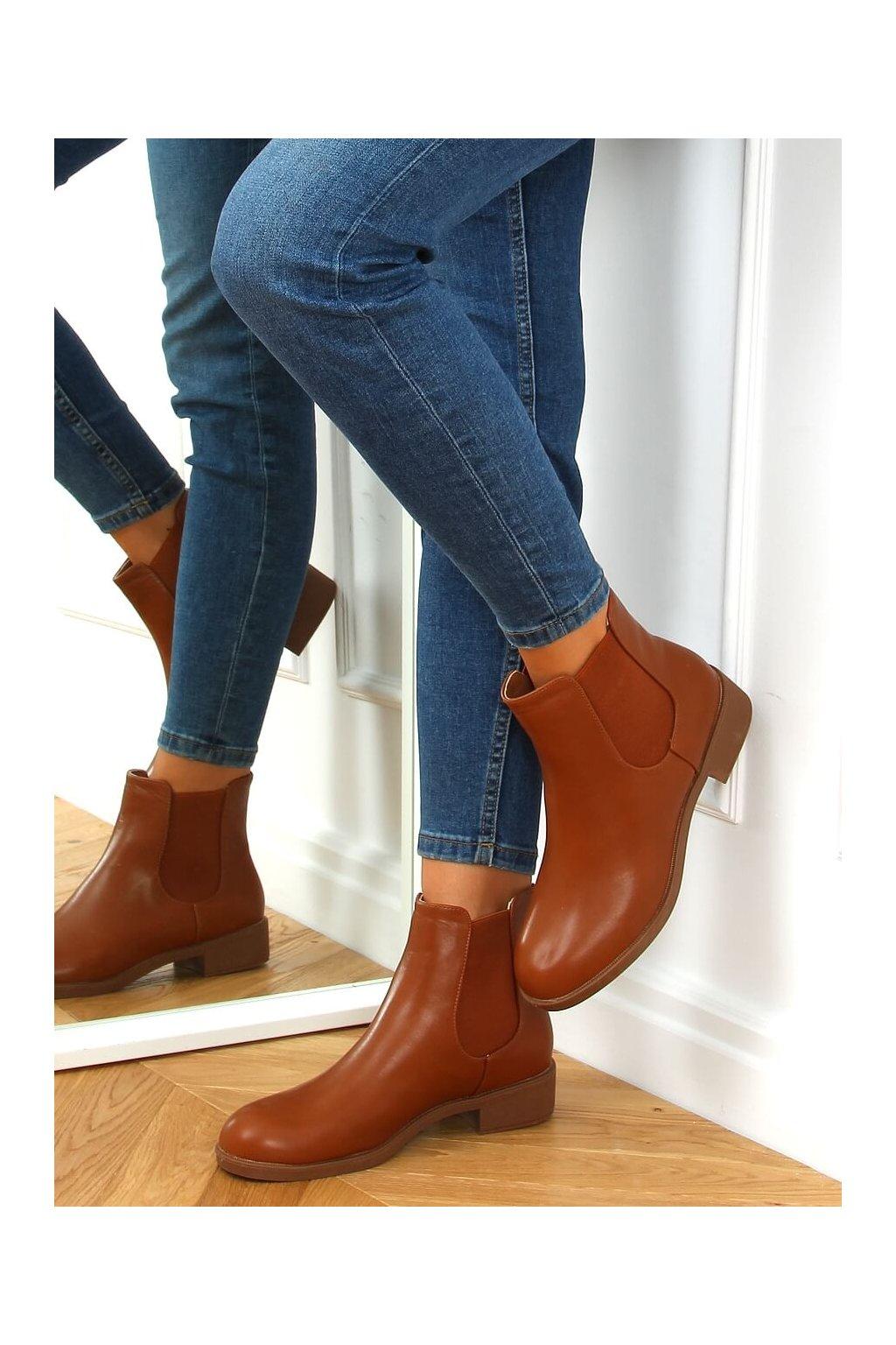 Dámske členkové topánky hnedé na plochom podpätku 6217