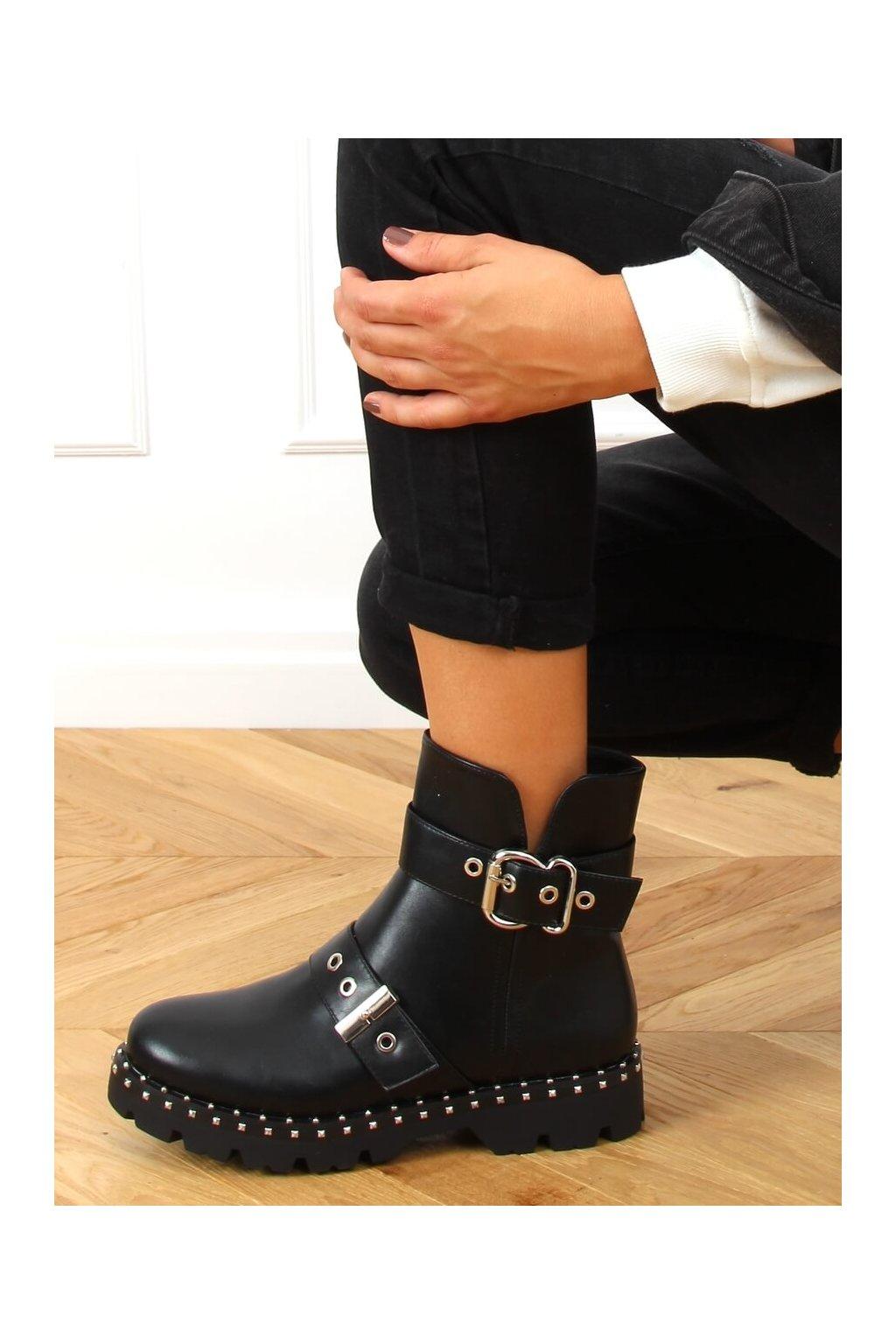 Dámske členkové topánky čierne KL-723