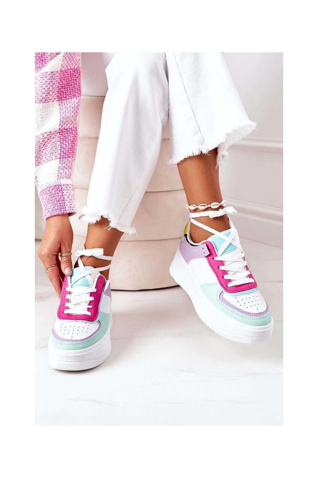 Dámske tenisky farba biela kód obuvi B0-807 WHITE/PURPLE