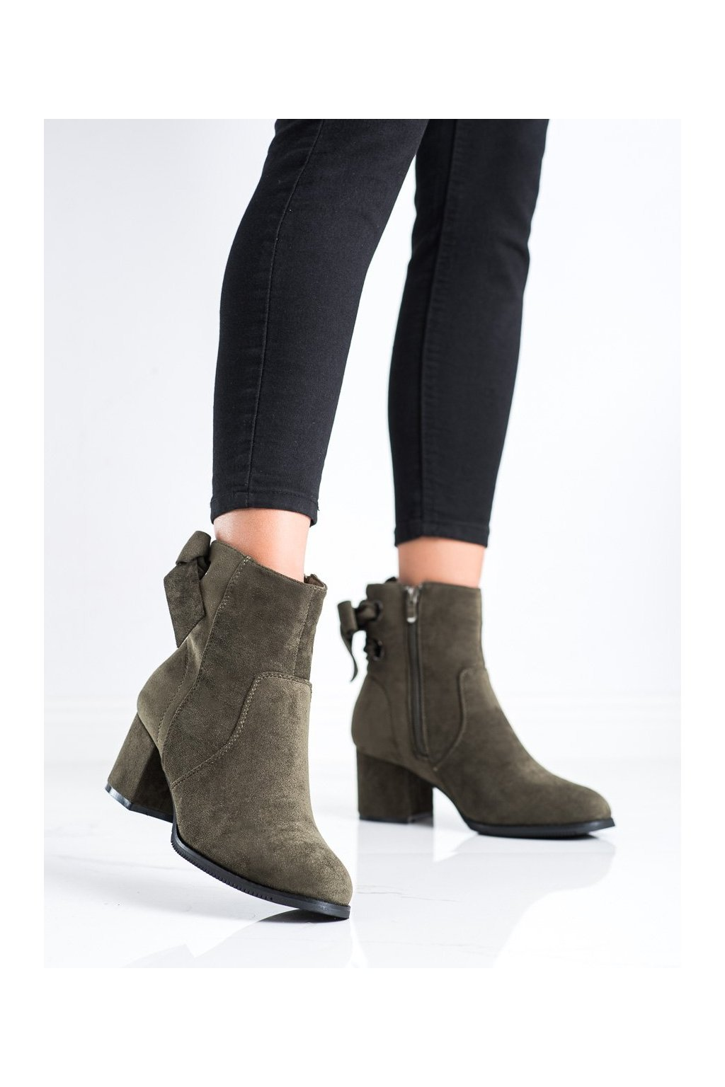 Zelené dámske topánky J. star kod 20Y8054GR